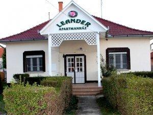 Leander Apartmanház