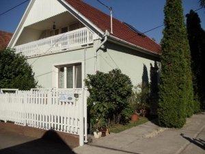 Case de oaspeţi Margó