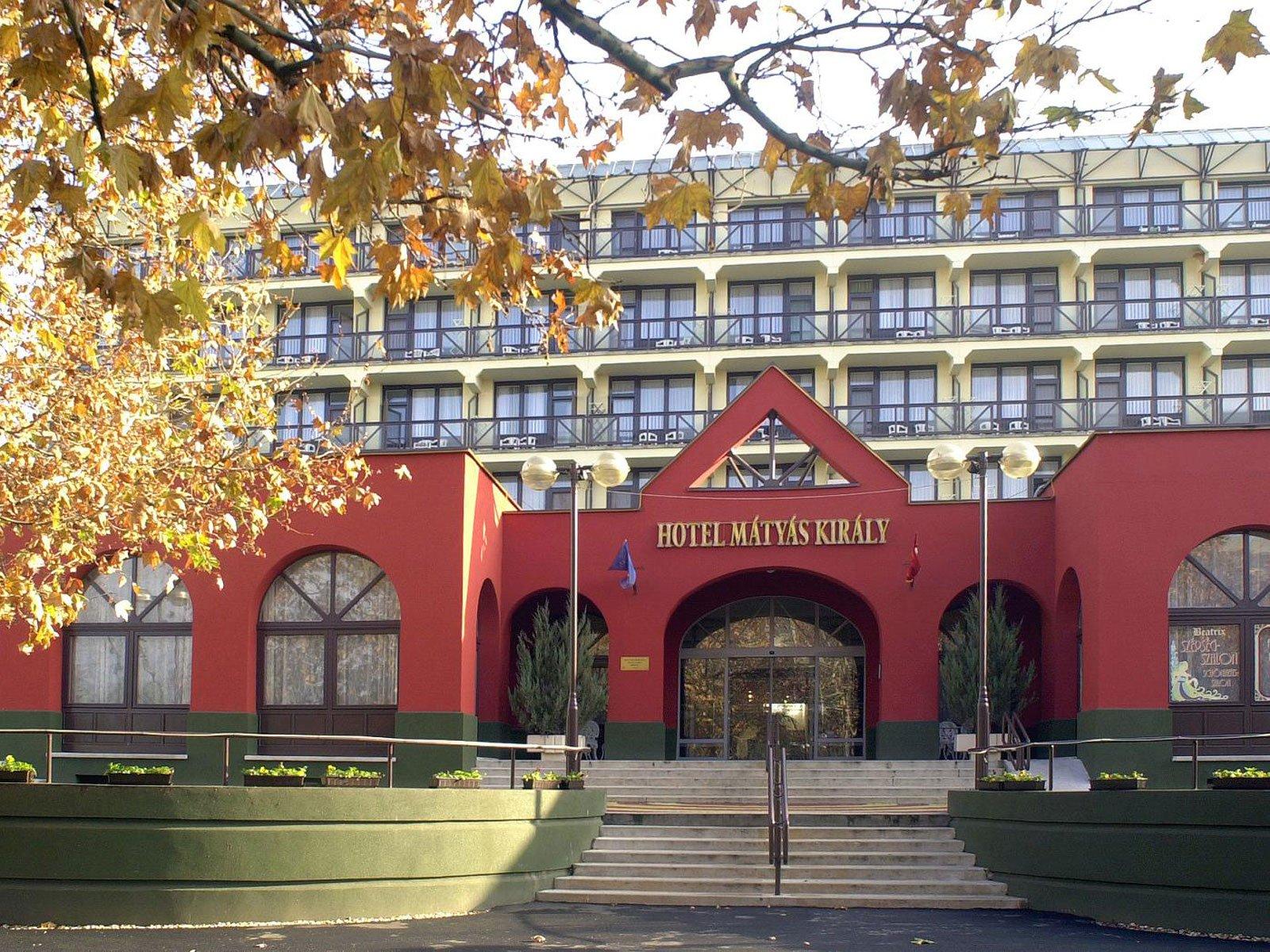 matyas-hotel-utcafront